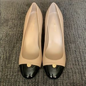 NWOT Tommy Hilfiger two tone block heels
